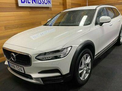 begagnad Volvo V90 CC D4 AWD Business 2018, Kombi Pris 309 900 kr