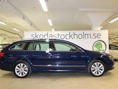 begagnad Skoda Superb 170 HK TDI Elegance / Drag / Panoramaglastak / V-Hjul