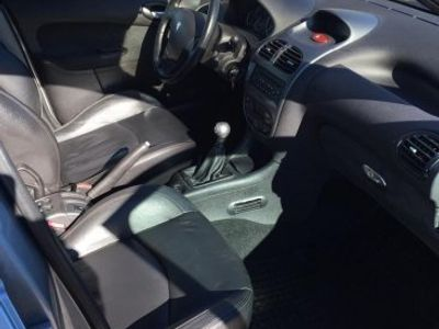 begagnad Peugeot 206 GRIFFE 1,6 5d -05