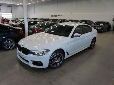 "begagnad BMW 530 e xDrive Sedan M Sport Navi Drag HiFi 19"" Komfortöppning"