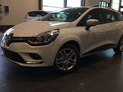 begagnad Renault Clio SPORT TOURER TCe 90HK *VINTERHJUL FÖR ENDAST 1990:-*