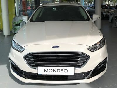 begagnad Ford Mondeo P-lease 3595:-/mån HYBRID TITANIU
