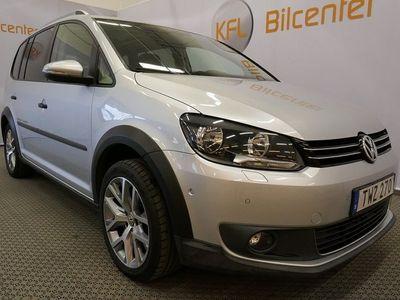 begagnad VW Touran Cross 1.4 TSI 7-sits Aut-Drag-Värmare-Helskinn-Panorama