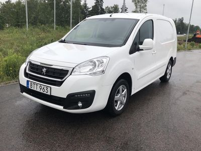 gebraucht Peugeot Partner 1.6 BlueHDI Skåp (100hk)