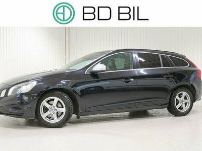 begagnad Volvo V60 T4F MOMENTUM R-DESIGN SKINN 2012, Kombi 114 900 kr