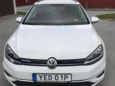 begagnad VW Golf Sportscombi 1.5 TGI CNG DSG