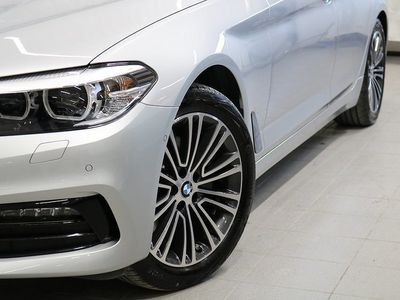 begagnad BMW 520 d xDrive Touring Sportline Connected
