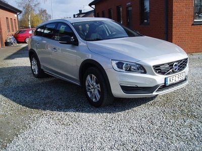 usado Volvo V60 CC D4 Momentum Euro 6 190hk