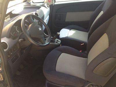 begagnad Peugeot 1007 1,4 2005