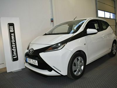 begagnad Toyota Aygo 5-dörrar 1.0 Vinterhjul X-play 7 År garanti