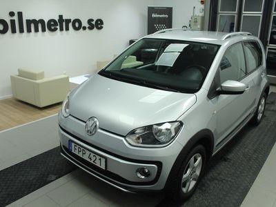 begagnad VW cross up! 1,0 75Hk Nav/V-Hjul
