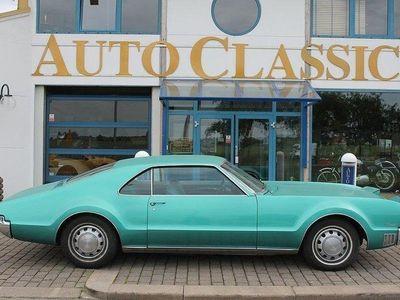 begagnad Oldsmobile Toronado Deluxe 7.0 V8 Hydra-Matic