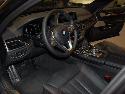 begagnad BMW 730 D XDRIVE M Sportpaket Driving assistant plus 2016, Sedan 859 000 kr