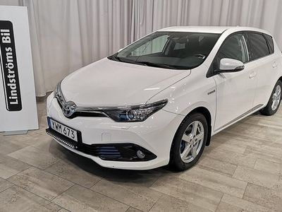 begagnad Toyota Auris Hybrid 1.8 VVT-i Intense Edition 2018, Halvkombi 167 000 kr