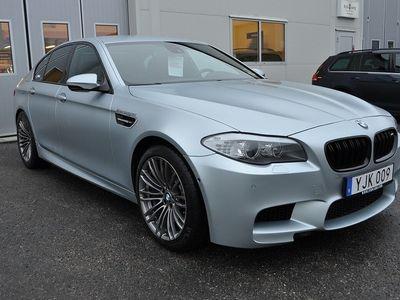 begagnad BMW M5 DCT NAVI KAMERA AUTO SPORT 2012, Sedan 419 900 kr