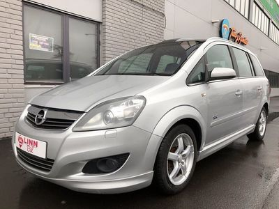 begagnad Opel Zafira 1,9 D 7 SITS AUTOMAT NYBESIKT PANORAMA XENON
