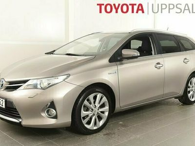 begagnad Toyota Auris 1.8 Elhybrid Kombi Edition 50 Navigation TKG 2015, Halvkombi Pris 119 800 kr