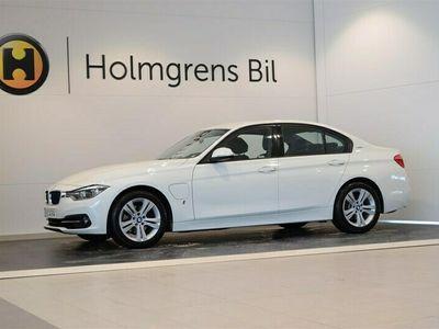 begagnad BMW 330e Plug-In Hybrid LCI Sportline Navi LED PDC (252hk)