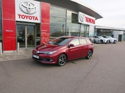 begagnad Toyota Auris Hybrid 1,8 Elhybrid 5-D Intense Edition