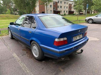 begagnad BMW 320 i Comfort