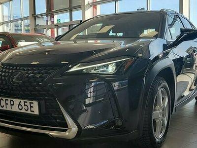 begagnad Lexus UX 250h E-Four Hybrid AWD Comfort Teknik Vinterhjul