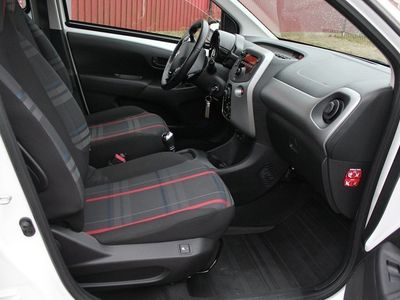 begagnad Peugeot 108 1,0 Puretech Automat / Nybilsgara -16
