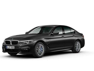 begagnad BMW 530 e xDrive M Sport Taklucka Drag Fartpilot Komfortöppning Backkamera