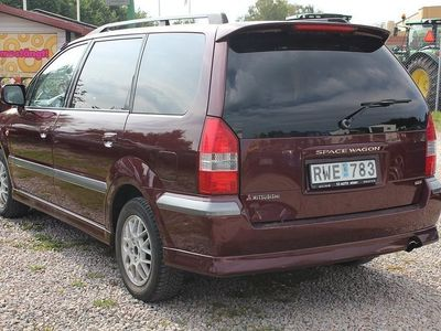 begagnad Mitsubishi Space Wagon 2,4 7SITS