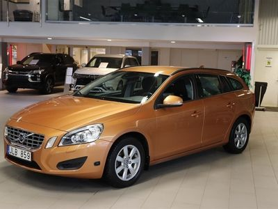 begagnad Volvo V60 T4f Kinetic Drag Bluetooth 180 Hk
