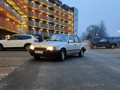 begagnad Ford Escort 1.6 VIP