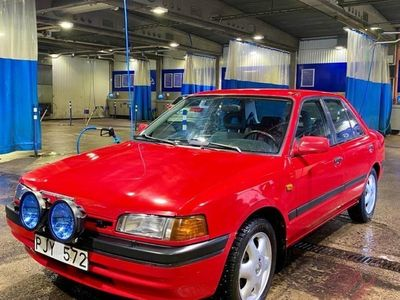 begagnad Mazda 323