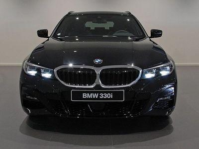begagnad BMW 330 i xDrive Connected Aut Drag -20