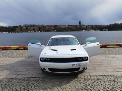 begagnad Dodge Challenger SXT