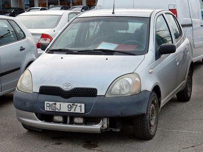 begagnad Toyota Yaris 2000, Halvkombi 8 900 kr