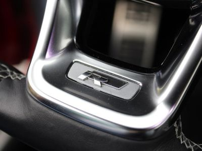 begagnad VW Golf Sportscombi 1.4 TSI 150 GT/R-line/P-värmare/Drag/Plus