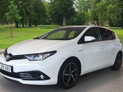 begagnad Toyota Auris Hybrid 1.8 5D TOUCH & GO EDITION 2017, Halvkombi 184 900 kr