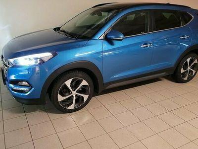 begagnad Hyundai Tucson 20 CRDi 4WD Pano Drag Navi Läder