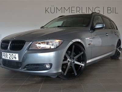 "begagnad BMW 218 325i TouringAUTOMAT NAVIGATION/19""/PDC/DELLÄDER"
