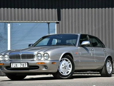 begagnad Jaguar XJ 4.0 V8 (284hk) Executive/Automat/Skinn