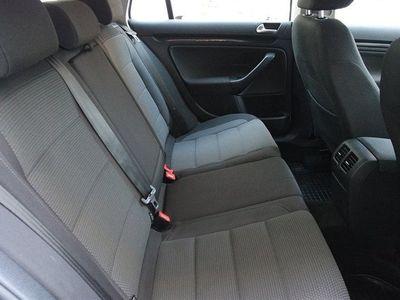 begagnad VW Golf 1,6 TDI Bluemotion DSG S+V-Hjul
