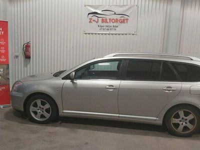 begagnad Toyota Avensis Kombi 2.0 D-4 VVT-i 147hk