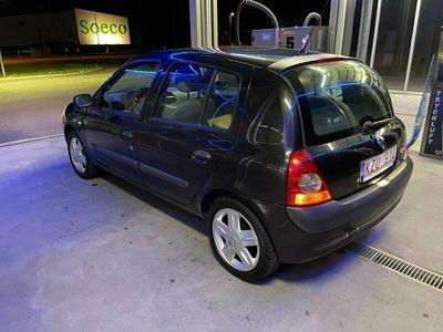 begagnad Renault Clio 1.2 manuell