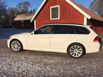 begagnad BMW 320 d xDrive Touring med värmare och drag