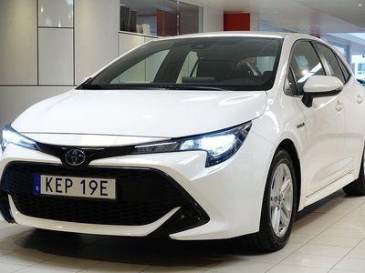 begagnad Toyota Corolla 1,8 HYBRID 5-D ACTIVE V-HJUL BACKKAMERA
