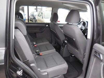 begagnad VW Touran 1,6 TDi Bluemotion 2012