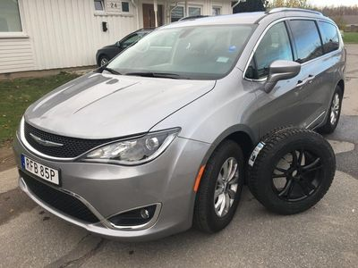 begagnad Chrysler Pacifica TOURING L