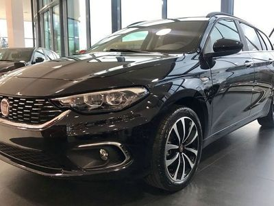 begagnad Fiat Tipo KOMBI 1,4 120HK MT6 LOUNGE 17'' KROM MY20 CARPLAY *NYINKOMMEN!*