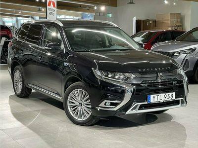 begagnad Mitsubishi Outlander P-HEV Komfort 4WD - Nybilsgaranti. Backkamera. Rattvärme