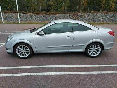 begagnad Opel Astra Cabriolet TWINTOP COSMO