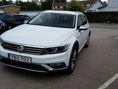 begagnad VW Passat Alltrack 2.0 TDI SCR BlueMotion 4Motion DSG Sekventiell E